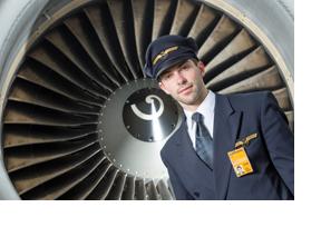 Ein Pilot vor einer Turbine. (Foto: Thomas Lohnes)