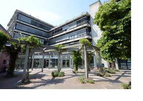 Die Fakultät für Informatik und Elektrotechnik an der Uni Stuttgart. (Foto: Frank Pieth)