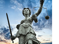 Eine Justizia-Statue.