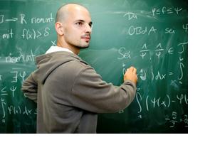Mathematiker an einer Tafel. (Foto: Johannes Simon)