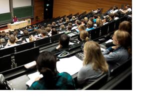 Studierende in einer Vorlesung. (Foto: Alex Becker)